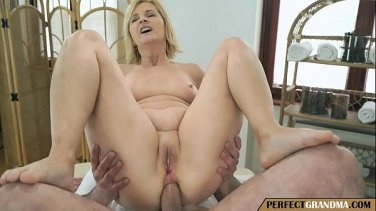body massage turns into pussy licking