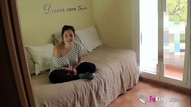 horny young kimber lee dildo fucks herself untill she cums