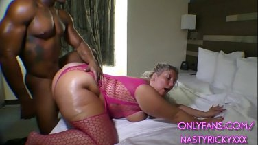 Hot blonde gets creampie after a long sex